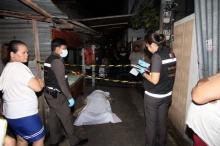 ฉาวตำรวจ!! ล้อมจับไฮโล หนุ่มขัดขืนโดนซ้อมถึงตาย เมียครวญเสียเสาหลัก (คลิป)
