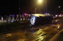ตาย 3 เจ็บอึ้อ รถ ทัวร์ กทม.-ตราด หลุดโค้งชนเสาไฟ