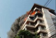 ด่วน!! เพลิงไหม้อาคารพาณิชย์ ย่าน ถ.นราธิวาส เบื้องต้นเสียชีวิต1 ราย
