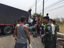 เผยคลิประทึกนาทีรถพ่วงเบรกแตกทางลงเขา ที่ปราจีนบุรี(คลิป)
