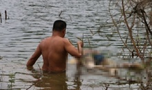 สำนึกผิด!! พาตำรวจไปเก็บศพเพื่อนหลังคว้านท้องถ่วงน้ำสุดเหี้ยม
