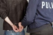 ล่า ตำรวจเก้ ขับเก๋งเมียน้อยลักแบรนด์เนมหนี แถมยิงตำรวจจริงอีก!!