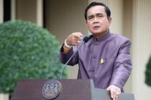 """""""นายกฯ"""" สั่ง! นำตัวผู้ทำผิดหมิ่นเบื้องสูง กลับมาดำเนินคดีในไทย!"""