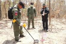 เจ้าหน้าที่พบจุดเผายางรถยนต์ในป่าบ้านผือเพิ่มเป็น 23 จุด พร้อมพบกระดูกสิ่งมีชีวิต