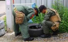 พบระเบิดควันถูกทิ้งถังขยะย่านสมุทรปราการ ส่ง EOD เข้าเก็บกู้ปลอดภัย!