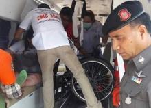 ปิกอัพเสียหลักชะอำพุ่งชนรถตู้คนพิการเจ็บ9