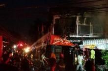 สลด!ไฟไหม้ตึกแถวย่านบางแควอด2คูหา คลอกหญิงวัย 61 ดับ (ชมภาพ)