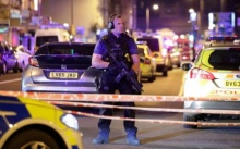 หวั่นเป็นก่อการร้าย ! ตีนผีขับรถตู้ชนผู้คนในลอนดอน