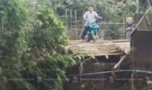 ฝนถล่ม! ชาวเชียงรายเดือดร้อนหลังน้ำป่าซัดสะพานขาด