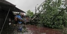 พายุฤดูร้อนถล่ม พัดบ้านเรือนนครพนมพังกว่า 20 หลัง หนักสุดรอบ 10 ปี