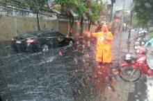 ฝนถล่มกรุง เตือนระวังพายุฤดูร้อน