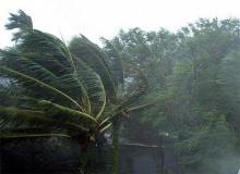 พายุฤดูร้อนถล่มลพบุรีทำบ้านพัง46หลัง