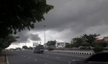 อย่าลืมพกร่ม!! กรมอุตุฯ เผยทั่วไทยฝนชุกหนาแน่น กทม.ฝนฟ้าคะนอง 70% !!