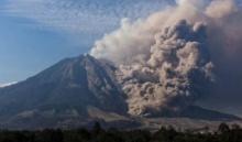 เตือนภัยสูงสุด!! ภูเขาไฟซินาบุงบึ้ม!! อินโดฯเร่งอพยพปชช.รัศมี7กม.ด่วน!!!