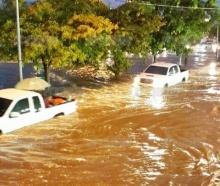 ฝนถล่มเมืองโคราชน้ำท่วมสูง 30 ซม.ตลาดเซฟวัน-ถนนมิตรภาพจม