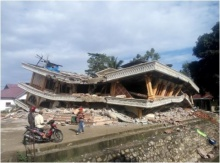 แผ่นดินไหว อินโดนีเซีย 6.5 เสียชีวิตอย่าน้อย 18 คนแล้ว