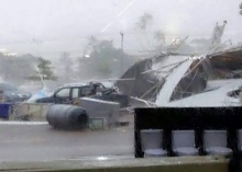 พายุฝนถล่มมหาสารคามตาย2เจ็บ2รถพัง32เสาไฟล้ม