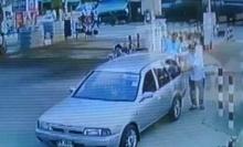 ระทึก!รถยนต์แก๊สรั่วขณะเติมแก๊สในปั๊มนนทบุรี