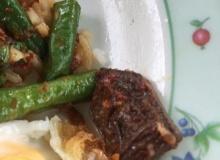 แชร์ว่อน!! อร่อยล้ำสั่งผัดพริกแกงหมูกรอบได้ของแถมมาแบบนี้
