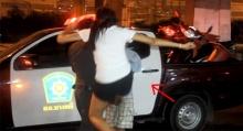 ต้องสตรอง!!สาวโดดถีบหนุ่มพม่าเต็มเหนี่ยว แค้นถูกจับหน้าอก!!!