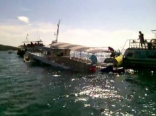 ระทึก!! เรือโดยสารพัทยาล่มกลางทะเลเกาะล้าน ผู้โดยสาร 80 ชีวิตปลอดภัย