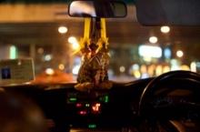 แท็กซี่เลือดร้อน!! โดนใบสั่ง ต่อยหน้าตำรวจกลางถนน!!