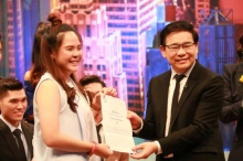 BBC สนใจ น้องธันย์ สาวไทยได้งาน ผู้สำรวจความสุขคนไข้ เงินเดือน1ล้าน