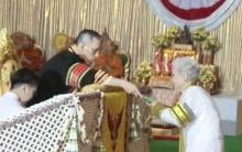 คุณยาย กิมหลั่น วัย 91 ปี ปิติ รับพระราชทานปริญญาบัตรจากพระหัตถ์ ร.10(คลิป)