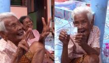 คุณยายวัย 103 ปี ดีใจเพิ่งมีบัตรประชาชนครั้งแรกในชีวิต