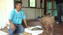 ชาวบ้านตื่น!! ขุดพบ ไหดินโบราณ มีกระดูกมนุษย์ข้างใน คาดอายุกว่า 400 ปี!!