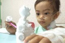ชาวเน็ตแห่ให้กำลัง น้องเกล หนูน้อย 3 ขวบต่อสู้โรคมะเร็ง