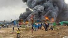 ระทึก!! เกิดเหตุไฟไหม้แคมป์ก่อสร้างที่ปทุมฯ คนงานกว่า 500 ชีวิตขนข้าวของหนีตายวุ่น!!