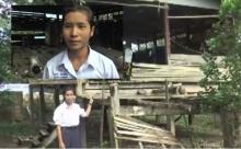 ชีวิตสุดรันทด!นร.หญิงม.5 พ่อแม่ตาย อาศัยบ้านผุพังหาเงินเรียนเอง