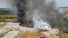 ไฟไหม้บ่อขยะ 20 ไร่ ยังคุมเพลิงไม่ได้ ย้ายเด็ก-คนชราออกนอกพื้นที่