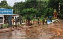 ทหารพม่าปิดด่านเจดีย์สามองค์ เจรจาไทยหยุดสร้างถนนหลังน้ำไหลเข้าชุมชน