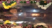 ไม่เชื่อก็ต้องเชื่อ!!! ศพหมอดูอีทีนอนในโลงแก้ว เหมือนคนนอนหลับ(คลิป)