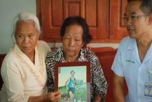 มารดาจ่าแซมได้รับรางวัลแม่ดีเด่นปี61สาขาแม่ของผู้เสียสละ