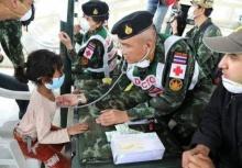 ชาวเนปาลเข้าคิวแน่นให้แพทย์ทหารไทยช่วยรักษา
