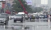"""ฝนถล่ม """"พัทยา"""" น้ำท่วมขัง จราจรติดขัด"""