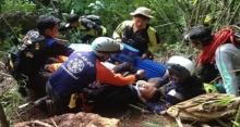 ปีนไม่คิดชีวิต!! กู้ภัยลื่นตกเขา ขยับตัวไม่ได้ หมดสติ ระหว่างค้นหา 13 ชีวิต ทีมหมูป่า