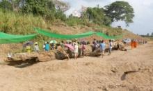 ตะเคียนยักษ์ 300 ปีผุดกลางแม่น้ำยมสุโขทัย 2 หมู่บ้านเปิดศึกชิงวุ่น