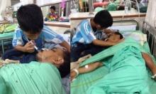 ภาพสลดเด็กน้อยสุดกตัญญู!! เฝ้าปรนนิบัติดูแลพ่อป่วยเพียงลำพัง