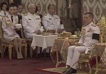 พระเจ้าอยู่หัวรัชกาลที่ 10 โปรดเกล้าฯให้ปชช. สักการะพระบรมศพระหว่างพระราชพิธี