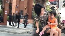 ฉาวสนั่นเน็ต!! สาวถูกไฮโซดังพาตำรวจบุกฉกลูกถึงโรงเรียน ร่ำไห้...เหมือนโดนกระชากใจ (คลิป)
