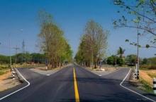 ชาวเน็ตชื่นชม!! ภาพถนนสาย แพร่-ลอง ขยายทางอนุรักษ์ต้นไม้ แนะเมืองน่านทำตาม