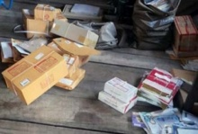 ฉุน!!ประจานพฤติกรรมไปรษณีย์ ไม่โยนแต่ตุนพัสดุภัณฑ์เต็มบ้าน