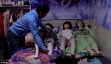 ติดตามชีวิตพ่อม่ายจีน ใช้ชีวิตกับตุ๊กตายาง 7 ตัว รักดูแลเหมือนกับลูกสาว!!