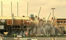ปิดตำนาน! ระเบิดทิ้งโรงงานฟิล์มโกดักชื่อดัง หลังล้มละลาย ตึกพังราบในพริบตา! (คลิป)