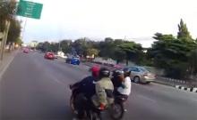 แชร์สนั่น!! ปั่นจักรยานกันอยู่ดี ๆ เด็กแวนซ์ถีบจนล้มเกือบล้ม!!(มีคลิป)