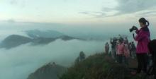 อากาศหนาว ทำท่องเที่ยวคึกคัก ภูชี้ฟ้าเหลือ 12 องศา